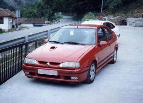 Renault 19 Автомобили Renault…